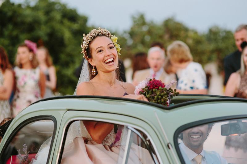 bride and 500 fiat vintage car