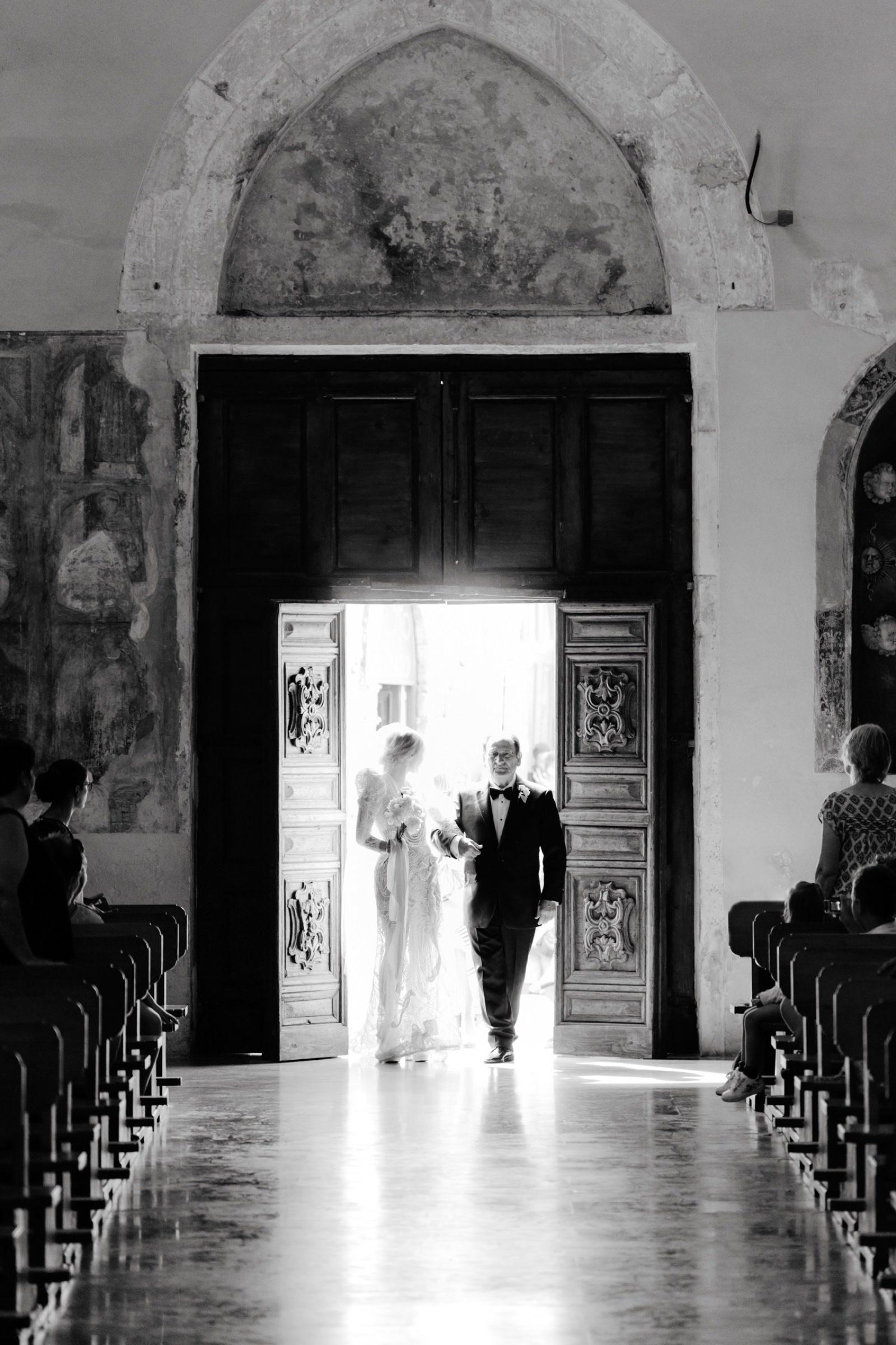 bride entrance at ostuni cathedral