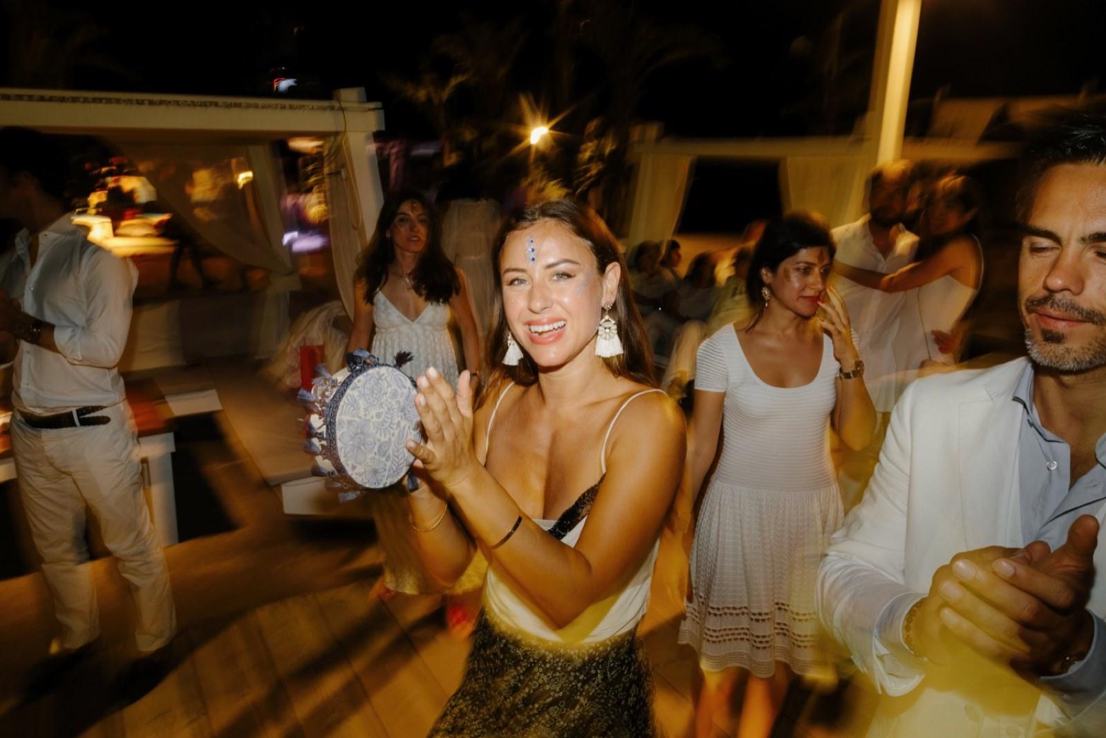 tamburine wedding party in puglia