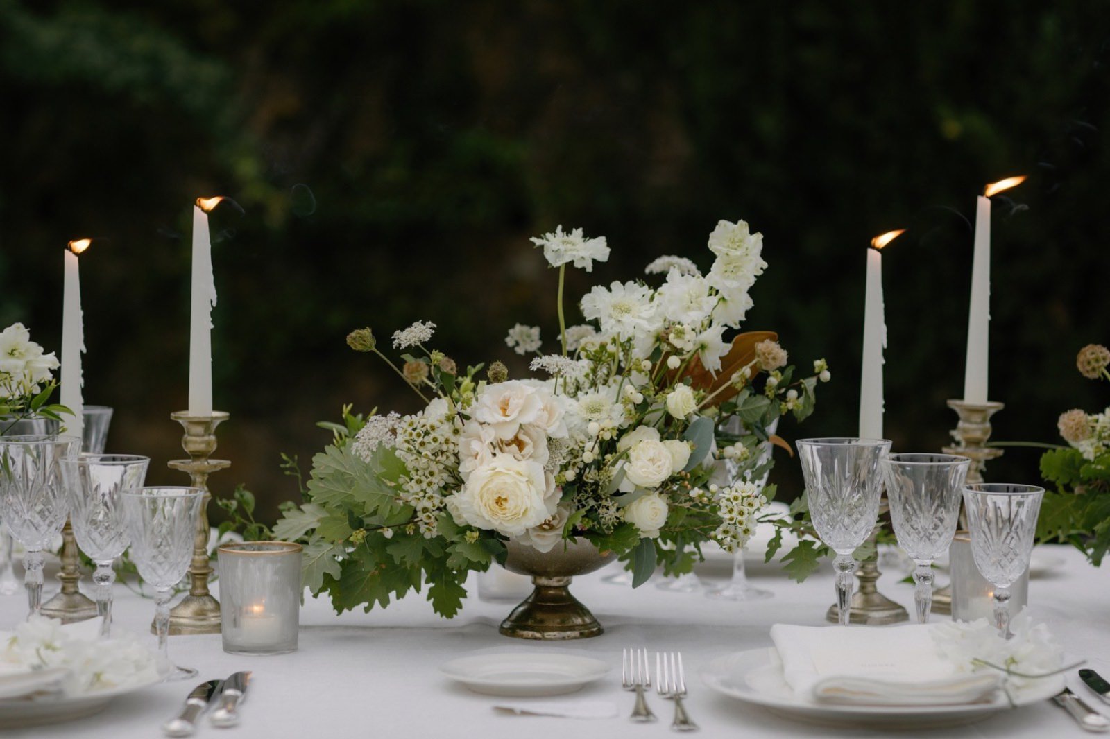 table setting wedding in Tuscany